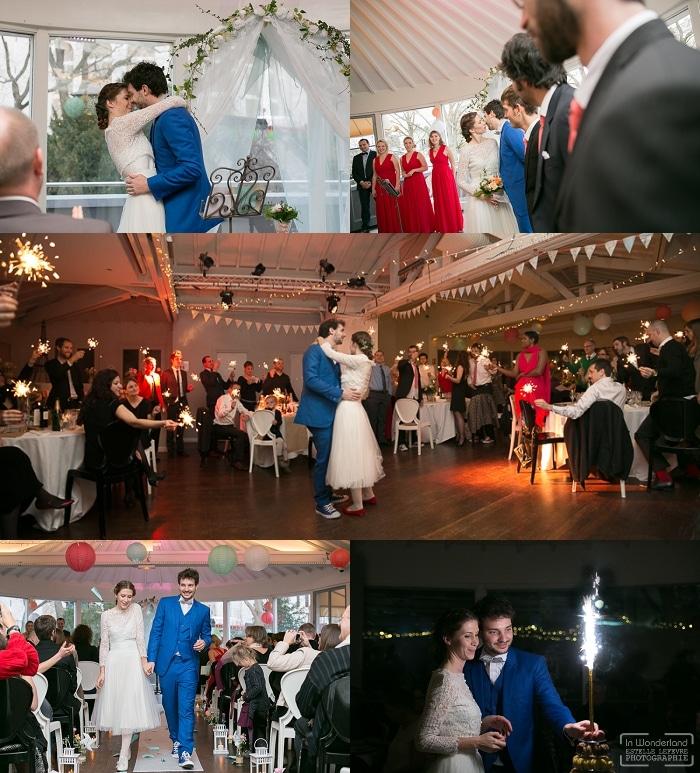 Mariés pendant la première dans à Paris Montmartre