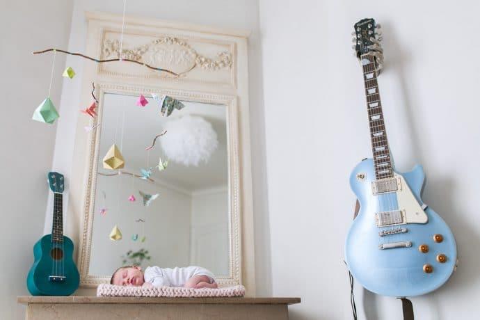 Photos de naissance photographe bébé a domicile a Paris