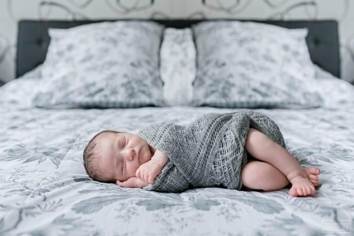 Photos de naissance photographe bébé à domicile Montmorency 95