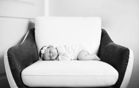 Séance photo de naissance a domicile photographe Eaubonne