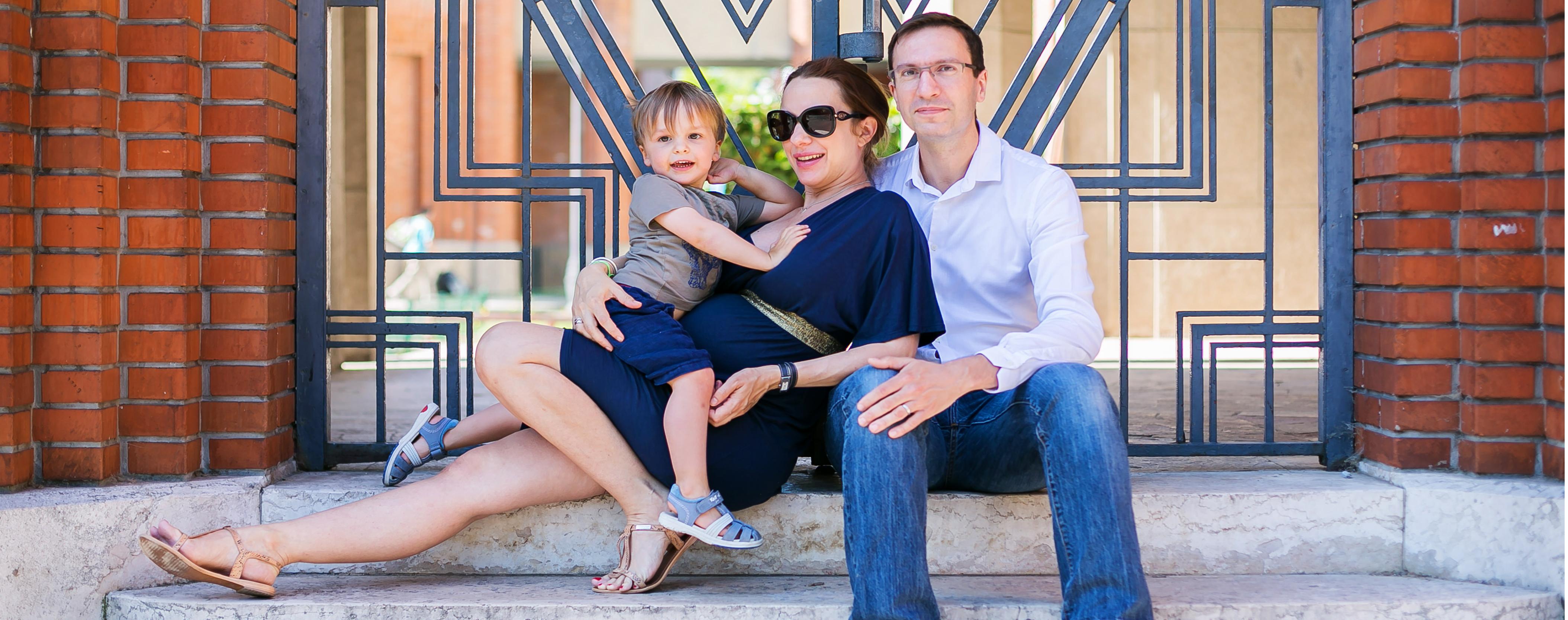 Photos de grossesse en famille à domicile