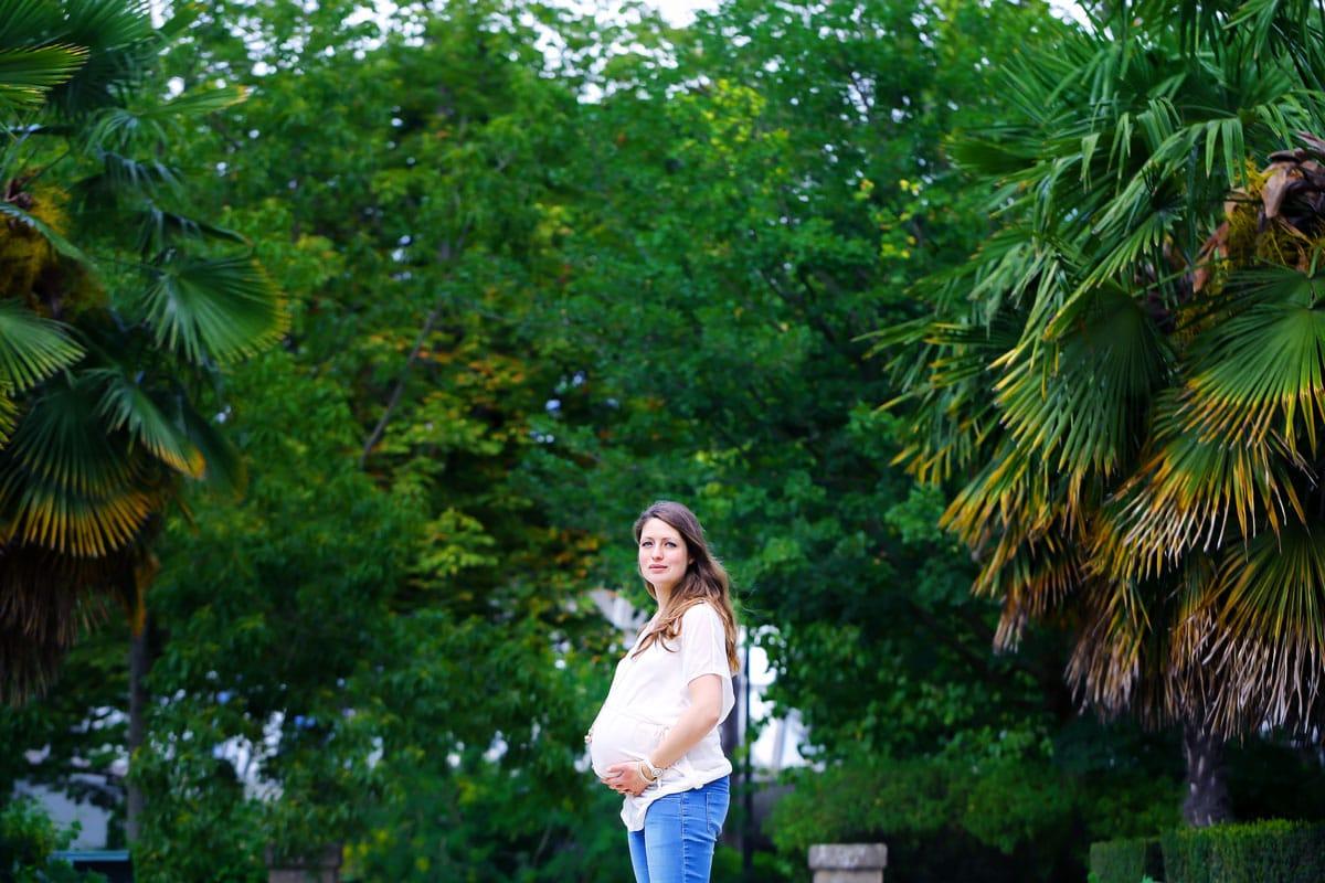 Femme enceinte aux serres d'Auteuil