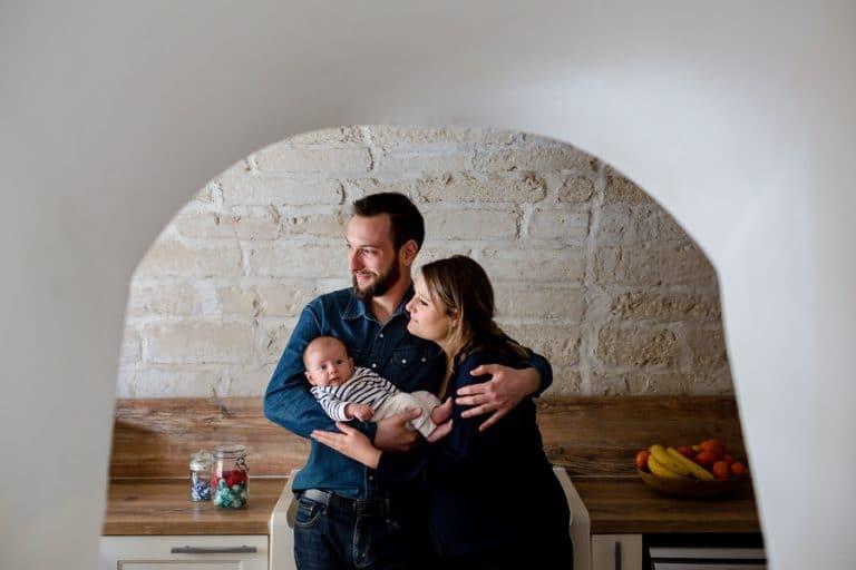 Photographe a Levallois photos de naissance à domicile