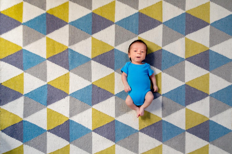Photographe bébé à Asnières et photos de naissance à domicile