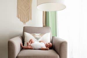 Photos de bébé à domicile photographe a Levallois