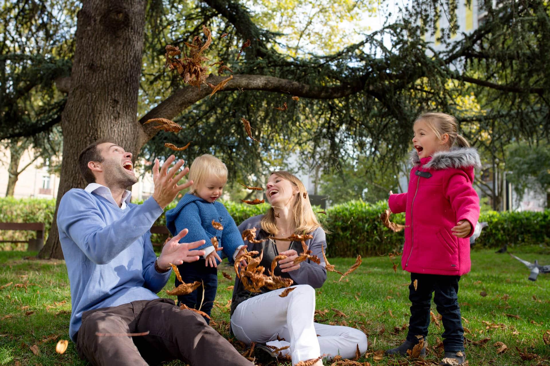 Photographe famille a domicile à Levallois