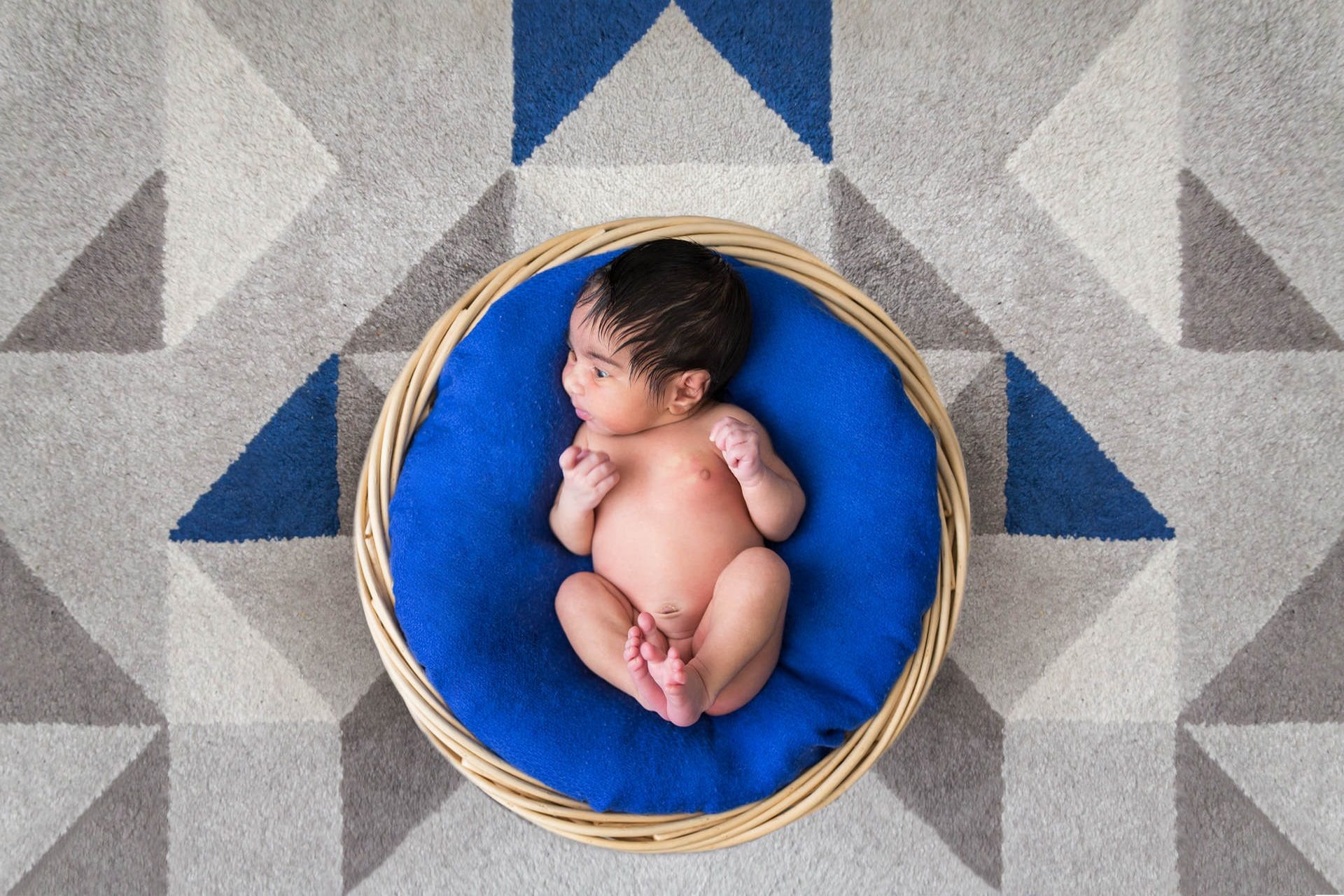 Photographe naissance bébé domicile à Montmorency