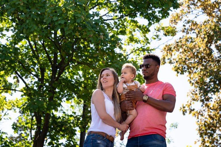 Photos en famille au parc photographe enfants à Colombes 92